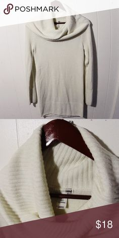H&M Creme Long Sleeve sweater Very cute and very warm sweater. Looks gorgeous with black leggings and boots (and is long enough to be worn with only leggings under it or tights). Size small. Has been worn but is still in good conditions H&M Sweaters