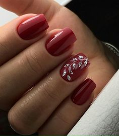 Best gel and acrylic nails designs for fall, nice and cute autumn themed manicure for short and long nails, easy ideas with pointed, falling leaves and rhinestones, fall nails colors trends 2018 Classy Nails, Cute Nails, Pretty Nails, Fall Nail Art Designs, Acrylic Nail Designs, Acrylic Nails, Red Nail Designs, Christmas Nails, Holiday Nails