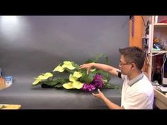 CH-9 主日獻花 Church Flower Arrangement #09 Gordon Lee - YouTube Church Flower Arrangements, Church Flowers, Floral Arrangements, Japanese Floral Design, Japanese Flowers, Arte Floral, Flowering Trees, Ikebana, Event Decor