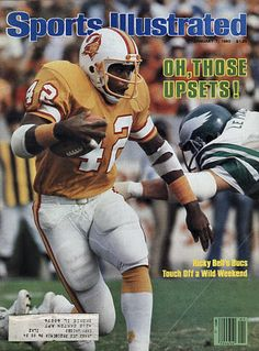 Nfl Football Players, Football Cheerleaders, Buccaneers Football, Tampa Bay Buccaneers, Ricky Bell, Si Cover, Sports Illustrated Covers, Football Conference, School Football