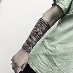 Fechamento de braço do mano Mezenga! Alem do do pontilhismo e geometria, faço…