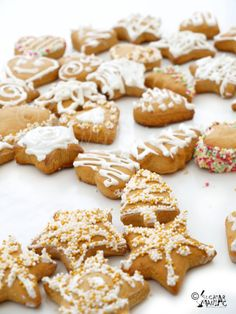 turta dulce / gingerbread Food For Thought, Biscotti, My Recipes, Gingerbread, Sweet Treats, Good Food, Sweets, Cookies, Breakfast