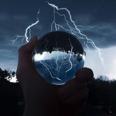Perfect timing! ⚡ No, this picture did not require any photoshop, just a Lensball and great timing by @_jefaw_