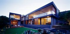 Stylish Modern Balmoral House In New South Wales With Modern Gardening