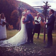 YolanCris |Shelley Gardiner looks beatiful with Alabama wedding dress!