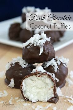 CAN ADAPT TO BANTING FRIENDLY: Dark Chocolate Coconut Truffles. An easy and simple recipe that combines coconut and dark chocolate for a deliciously rich and sweet treat. Just Desserts, Delicious Desserts, Dessert Recipes, Yummy Food, Healthy Food, Fudge, Yummy Treats, Sweet Treats, Coconut Truffles