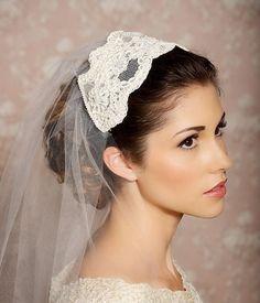 Cap Veil Beaded Lace Bridal Cap Juliet Veil Tulle von GildedShadows, $168,00