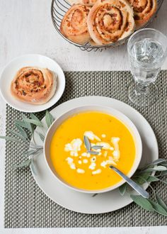 Butternut Squash Soup with Apples and Fresh Sage #gfcommunity