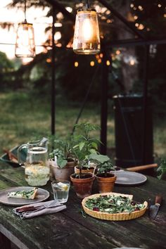 Found -> Website Hosting Platforms! Outdoor Dining, Outdoor Spaces, Outdoor Decor, Slow Living, Deco Table, Farm Life, Hygge, Outdoor Gardens, Sweet Home