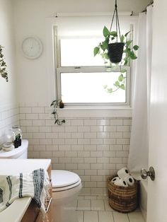 Splendid Bev Weidner Home Tour | Minimalist Home Design | The School of Styling – A three-day, hands-on workshop for creative entrepreneurs. theschoolofstylin…  The post  Bev Weidner Home Tour | ..