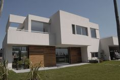 DCH House (2007)  Project, Works Management and Construction    Location Altos del Sol Gated Neighborhood, Ituzaingo, Buenos Aires, Argentina  Total Area 328 m²  Photo Casa Country
