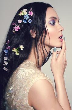 Bright Bridal Make-Up Inspiration | Tabby Casto | Mateus Sitek | Bridal Musings Wedding Blog