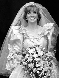 29/07/1981 : Charles, prince héritier d'Angleterre, épouse lady Diana Spencer, à Londres.