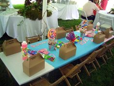 kids table - something like this to keep the little ones entertained..