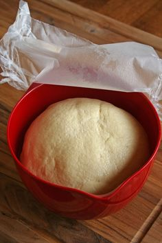 Chewy Semolina Pizza Crust Recipe – Food – GRIT Magazine This pizza dough recipe made with semolina flour will give you a chewy pizza crust.data-pin-do= Semolina Flour Recipe, Semolina Pizza Dough, Cornmeal Pizza Dough Recipe, Focaccia Pizza, Focaccia Recipe, Pizza Pizza, Pizza Doe, Vegan Pizza, Best Lunch Recipes