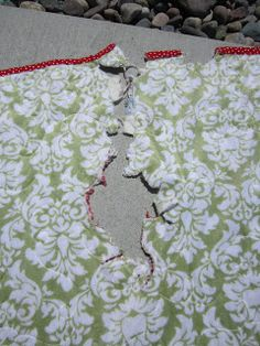 "! Sew we STITCH: Bad Mouse, Bad Mouse! ... Or the ""Step by Step of My Quilt Repair"""