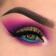 Make Up; Make Up Looks; Make Up Augen; Make Up Prom;Make Up Face;Lip Makeup;Eyeliner, Mascara Source by Eye Makeup Blue, Heavy Makeup, Makeup Eye Looks, Beautiful Eye Makeup, Colorful Eye Makeup, Eye Makeup Art, Cute Makeup, Eyeshadow Makeup, Eyeliner
