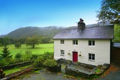 Would love to live in the country Country Living Uk, Rural House, B & B, Life Is Good, Architecture, House Styles, World, Travel, North Wales