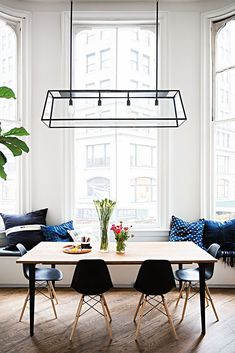 Dining room decor and stylish lighting pieces. Discover trendiest chandeliers, wall and floor lamps and projects with us!   www.delightfull.eu   Visit for more inspirations about: mid-century dining room, dining room lighting, dining room chandeliers, dining room lamps, dining room floor lamps, dining room Wall lamps, mid-century modern dining room, industrial dining room, dining room decor, dining room design, dining room set