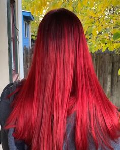 Trendfrisuren Bob, akkurater Mittelscheitel oder This particular language Trim Cease to live Frisurentrends 2020 Bright Hair Colors, Hair Color Purple, Green Hair, Bright Red Hair Dye, Cabelo Ombre Hair, Balayage Hair, Vampire Hair, Cherry Red Hair, Ginger Hair Color