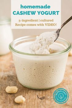 Rich and creamy homemade cashew yogurt without yogurt maker. Forget about store bought vegan yogurt that usually contain unwanted additives. Dairy Free Recipes, Vegan Recipes, Cashew Yogurt, Probiotic Yogurt, Candida Diet Recipes, Vegan Sour Cream, Yogurt Maker, Vegan Side Dishes, Homemade Yogurt