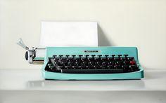 THE ITALIAN'Uno de los óleos de máquinas de escribir del artista (Christopher Stott - George Billis Gallery, New York) Ver más en: http://www.20minutos.es/fotos/artes/oleos-de-maquinas-de-escribir-libros-viejos-camaras-analogicas-telefonos-de-disco-10167/#xtor=AD-15&xts=467263