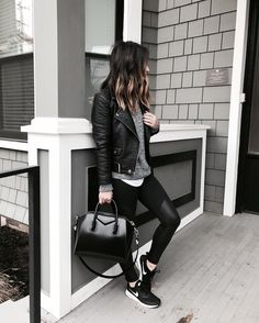 How To Pull Off Athleisure Wear + 30 Outfit Ideas - Crystalin Marie Black Sneakers Outfit, Sneaker Outfits Women, 30 Outfits, Sneakers Fashion Outfits, Mode Outfits, Winter Outfits, Casual Outfits, Casual Shoes, Men's Sneakers