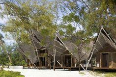 studio COA has designed the Villas Suluwilo on Vamazi Island, Mozambique. Tropical Architecture, Sustainable Architecture, Vernacular Architecture, Modern Architecture, Beach Hotels, Beach Resorts, Spas, Villas, Mozambique Beaches