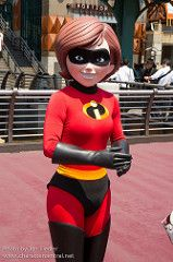 Incredible (Elastagirl, Helen Parr) and pictures of Mrs. Incredible including where to meet them and where to see them in parades and shows at the Disney Parks (Walt Disney World, Disneyland, Disneyland Paris, Tokyo Disneyland) Disney Parks, Walt Disney World, Mrs Incredible, Marvel Women, Tokyo Disneyland, Pixar, The Incredibles, Cosplay, Superhero