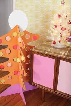 Kitsch Christmas decorations | cardboard Christmas tree | Mollie Makes