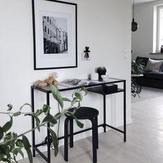 Interior Design Living Room, Living Room Decor, Living Spaces, Room Inspiration, Interior Inspiration, Ikea Vittsjo, Monochrome Interior, Paint Colors For Living Room, Interiores Design