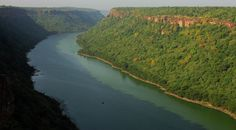 14 Beautiful Abandoned Spots You Must Explore In India #indiatoursim