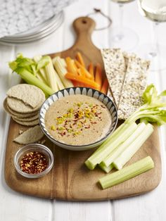 Home Meridian Recipes Almond Satay Dip with Flat Breads and Veg Uk Recipes, Unique Recipes, Recipies, Chips Recipe, Hummus Recipe, Healthy Vegan Snacks, Yummy Snacks, Soy Sauce