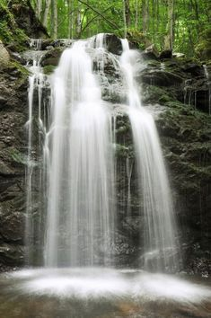 See the most impressive waterfalls in Greece. Greece, is Europe's most mountainous country. See pictures of its waterfalls and their location Places In Greece, Macedonia, See Picture, Where To Go, The Good Place, Places To Visit, Greek, Europe, Pictures