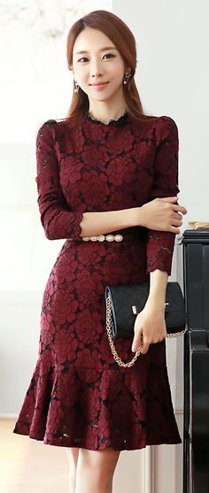 StyleOnme_Floral Lace Long Sleeve Flounce Dress #floral #lacedress #falltrend #autumnlook #winered #elegant #feminine #koreanfashion #seoul