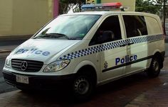 Australian Police Cars > Gallery > Queensland Police > Image: 0501-aevp_vitoct_02