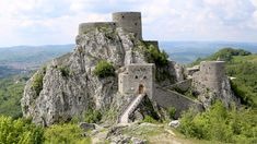 Best_Castles_to_Visit_in_Bosnia_and_Herzegovina_Davidsbeenhere7 Cropped Cropped