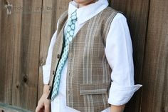 Fantastic tutorial here for making a boys reversible waistcoat, great tips and photos and lots of good step by step Info, from a blog called make it and love it, great!