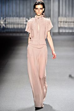 Vera Wang Fall 2011 RTW - Review - Collections - Vogue