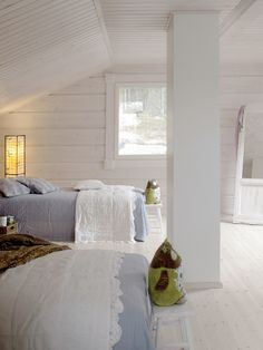 Peaceful bedroom. Honka Log Homes.