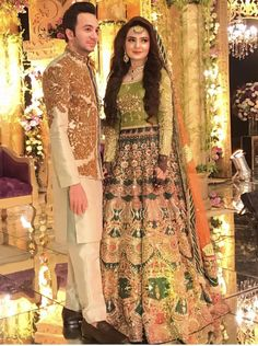 Mehndi Pakistani Bridal Makeup, Pakistani Fashion Party Wear, Pakistani Wedding Outfits, Pakistani Dresses Casual, Pakistani Dress Design, Pakistani Clothing, Asian Bridal Dresses, Bridal Mehndi Dresses, Mehendi Outfits