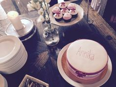 6 Tipps für eine unvergessliche Taufe Cupcakes, Tea Lights, Table Settings, Candles, Table Decorations, Hugo, Babys, Funeral Flowers, Nice Designs