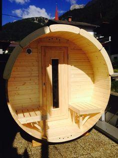 in den Bergen. Diy Sauna, Indoor Outdoor, Outdoor Decor, Barrel Sauna, Backyard, Outdoor Furniture, Garden, Inspiration, Home Decor