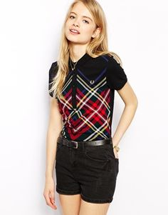 Adore this Fred Perry Polo Shirt. Perfect teamed with this season's flares for that 70s look. http://asos.to/1yvuDf1
