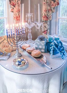 I always look for tasteful inspiration to decorate for Hanukkah, so I decided to put together my own spin on elegant Hanukkah decor using Tiffany blue. Christmas Hanukkah, Hannukah, Happy Hanukkah, Tiffany Blue, Hanukkah Decorations, Table Decorations, Winter Decorations, Jewish Celebrations, How To Celebrate Hanukkah