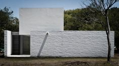 Casa LS2 - Esteban Barrera, Javier Lozada - Córdoba, Argentina - 2011 Multi Story Building, Building Ideas, Beautiful Homes, Skyscraper, Architecture Design, Outdoor Decor, Home Decor, Houses, Random