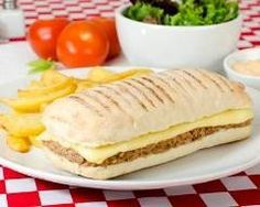 Panini au thon, curry et emmental : http://www.cuisineaz.com/recettes/panini-au-thon-curry-et-emmental-78475.aspx