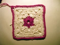 Gatuxedo - A Blog About Stitching: Mexican Flower Granny Square