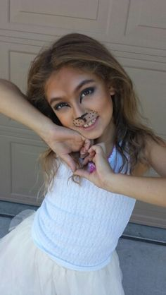 Halloween lion makeup