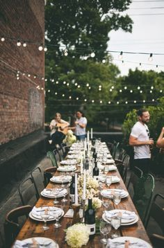 Amazing outdoor dinner party inspiration.